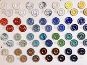 Keramikglasuren im Vergleich
