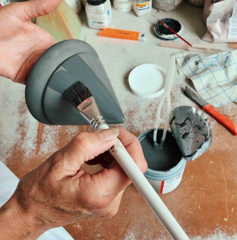 flüssige Keramikglasuren auftragen